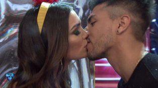 Mica Viciconte debutó en el Bailando con furia por el beso entre Tyago y Rocío Robles