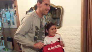 Maxi Rodríguez sorprendió a la nena que ofreció sus ahorros para que no se vaya de Newells
