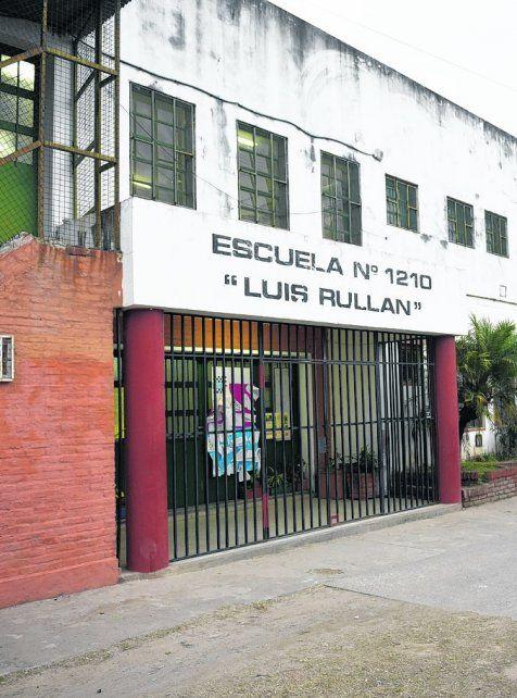 sin piedad. Se llevaron elementos del comedor de la escuela Luis Rullan.
