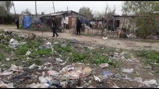 recorrida. Nessier y funcionarios estuvieron ayer en el barrio Yapeyú.