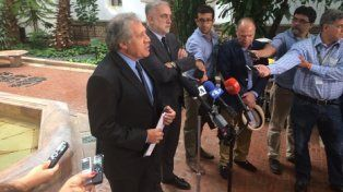anuncio. Almagro junto a Moreno Ocampo anuncia la iniciativa en la sede de la OEA en Washington.