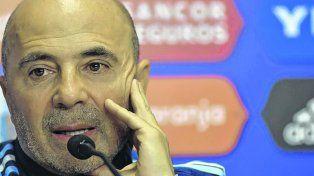 A pura explicación. Sampaoli habló de todos los temas relacionados a la selección nacional.