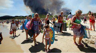 La Riviera francesa es castigada por un voraz incendio
