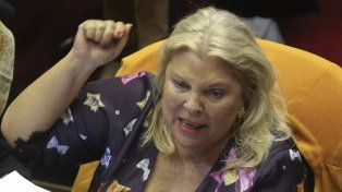 La diputada nacional de Cambiemos, Elisa Carrió, disparó munción gruesa contra Julio de Vido.