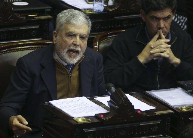 El Gobierno no logró reunir los votos necesarios para remover a De Vido, que seguirá en la cámara