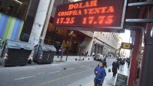 Cambio feroz. La demanda de dólares no se detiene en la city.