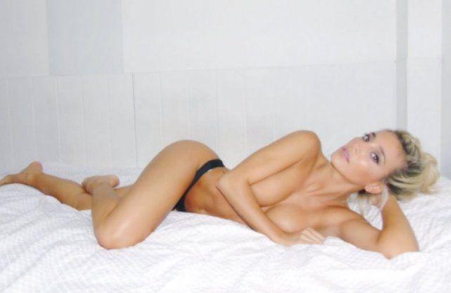 Las fotos más calientes de Sol Pérez que se desnudó para celebrar el veranito