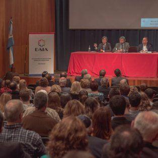 Los fiscales que reemplazan a Nisman estuvieron ayer a la noche en el aula magna de la Facultad de Derecho.