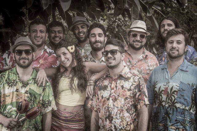 A puro ritmo. La banda compartió escenario con el grupo chileno Chico Trujillo y con la orquesta porteña La Delio Valdez.