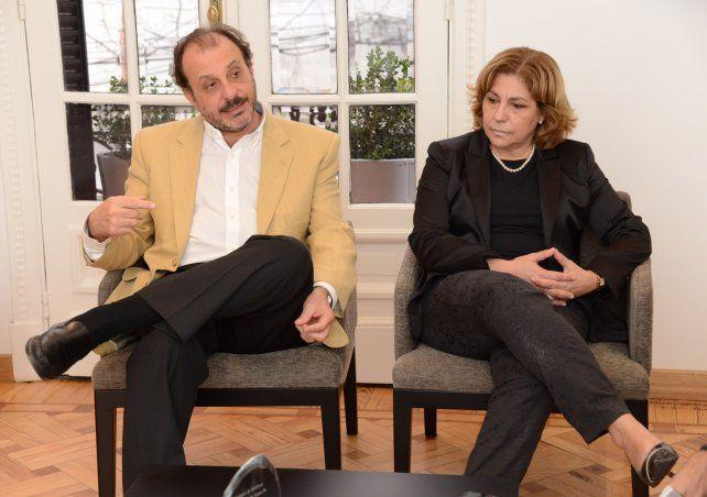 Referentes. Dardo Dorato (AMR) y Sandra Martorano (Colegio de Médicos).