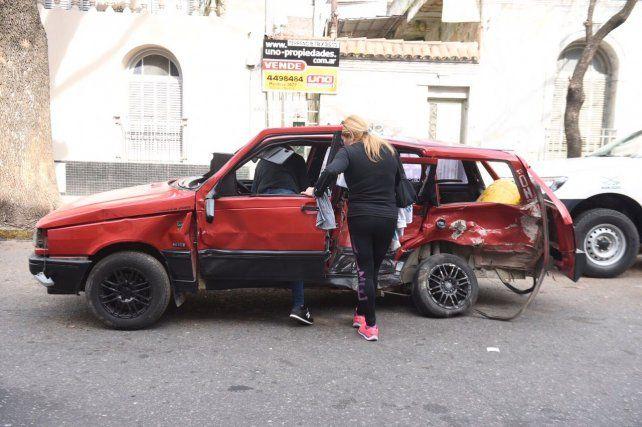 El Fiat Duna en donde iba la víctima fatal. Según Fiscalía