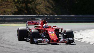 Vettel transita el circuito de Hungaroring. Su compañero de equipo