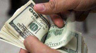 Efectos. Cuando el Estado se endeuda y detrae recursos a la inversión privada.