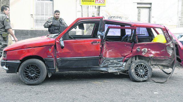 VíCTIMA. Andrés Alejandro Muñoz tenía 35 años e iba al volante de su Fiat Duna cuando quedó en medio de una picada.