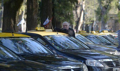 vencimiento. Las cámaras y gremio de los taxistas insistieron en remarcar la difícil situación económica y social.