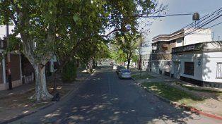 Un hombre de 62 años les tiró el auto encima a dos ladrones que quisieron asaltarlo