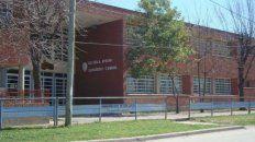 La escuela Sargento Cabral, de la localidad de San Justo, donde dicta clases el profesor rosarino.