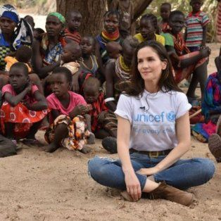 unicef salio a bancar a natalia oreiro tras las criticas por las fotos con los chicos de kenia