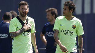 La cálida despedida que Messi le brindó a su amigo Neymar, que se va al PSG