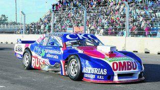 A fondo. Diruscio ( Dodge) y el SGV Racing prometen dar batalla en la histórica prueba del circuito porteño.