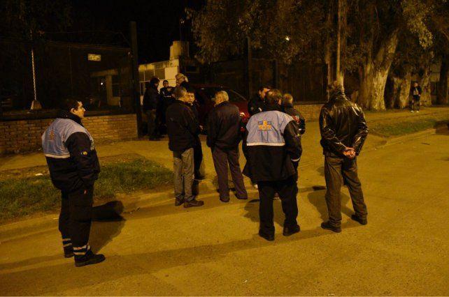 Personal del Sies donde en la sede en que ocurrió el robo esta noche.
