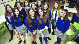 Un grupo de alumnas y alumnos del Parque de España