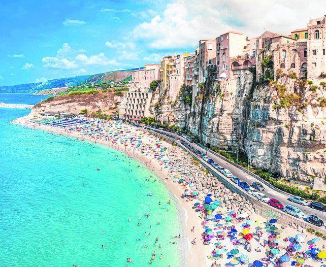 Belleza calabresa.Marasusa es una de las playas de Tropea.