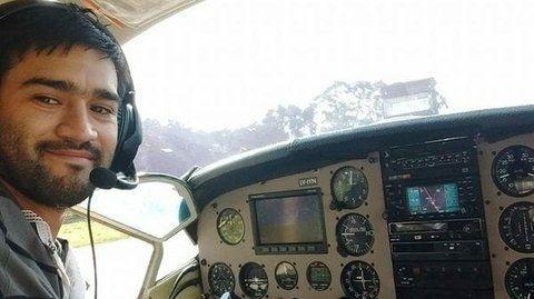 matías ronzano. El piloto del avión desaparecido en el delta.