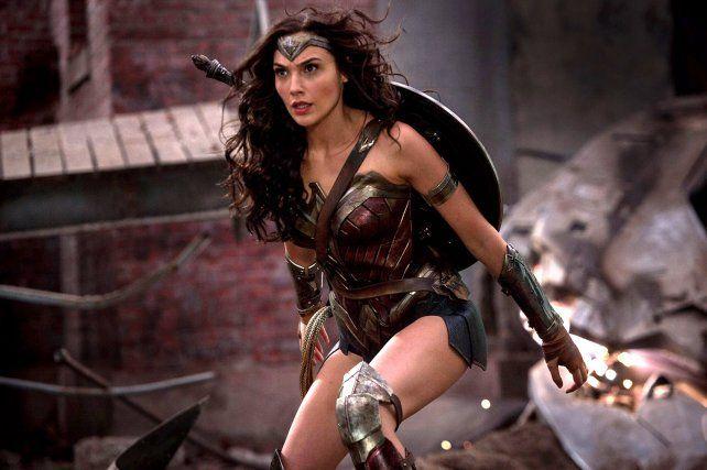 La Mujer Maravilla brilla en el nuevo trailer de la película La liga de la justicia