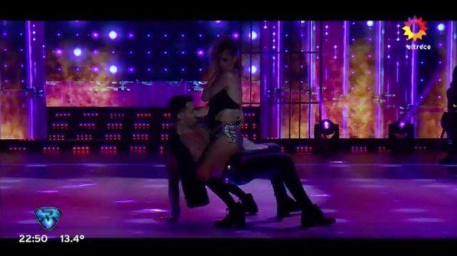 La Chipi calentó la pista del Bailando y hay rumores de tensión sexual con su bailarín