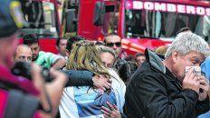 inmenso dolor. A las 9.39, las sirenas de las autobombas quebraron el silencio de la mañana. El minuto fatídico en el que cuatro años atrás la explosión se llevó la vida de 22 personas.