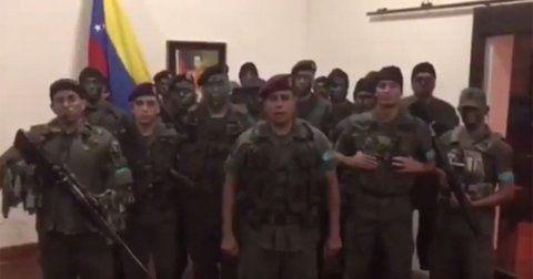 video. Los rebeldes emitieron un video. El que habla es un ex capitán expulsado en 2014.