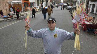 Los fieles participan de la celebración de San Cayetano, patrono del trabajo