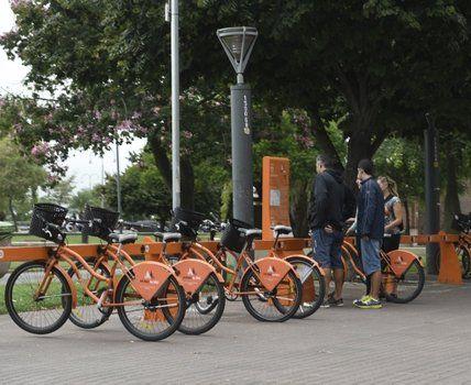 un sistema en expansión..Las bicicletas públicas llegarán en breve a 14 barrios de la ciudad.