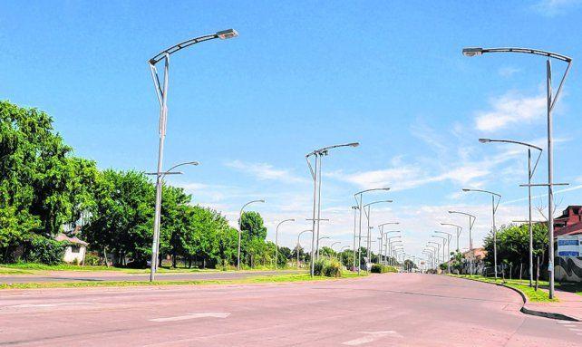 a brillar. Los postes lumínicos serán distribuidos en los seis distritos
