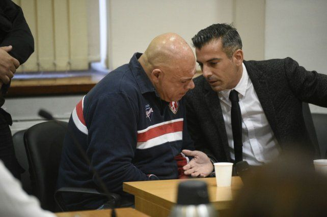 Juan Carlos Schmit junto a su abogado defensor