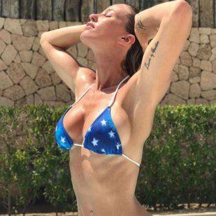 rocio guirao diaz recibio una catarata de piropos por una serie de fotos en bikini