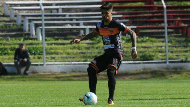 Jonathan Barboza está realizando la pretemporada con Cerro de Montevideo.