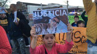 La manifestación se realizó esta tarde donde ocurrió el fatal accidente.