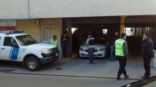 El BMW fue secuestrado en una cochera en pleno corazón de la capital provincial.