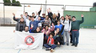 León compartió un almuerzo con la ONG Los Pececitos