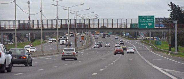 cuatro carriles. El tramo que va entre las rutas nacionales 33 y 34 ya está ampliado y permite potenciar la circulación. Se estima que por día circulan por allí unos 60 mil vehículos.