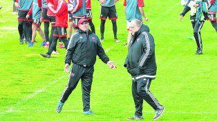 El técnico y el presidente. Llop pidió refuerzos y Bermúdez con la dirigencia le trajeron ocho futbolistas