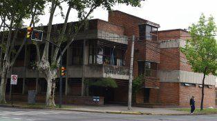 El Instituto Médico Legal. El cuerpo de la víctima fue sometido a una autopsia.