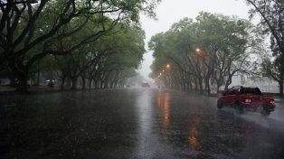 Llovió en algunos sectores de la ciudad y sigue el alerta por tormentas fuertes