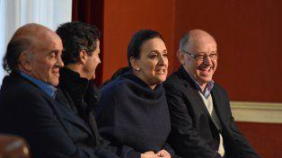 La vicepresidenta Gabriela Michetti junto a los candidatos de Cambiemos a diputados nacionales.