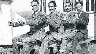 Ricos tipos. A la izquierda del cuarteto, Martín de Álzaga Unzué, mejor conocido como Macoco.