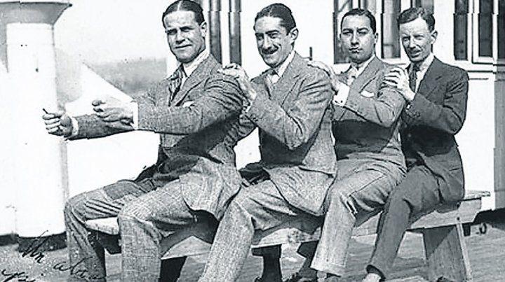 Ricos tipos. A la izquierda del cuarteto
