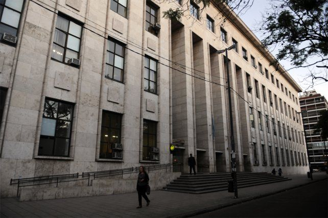 Mensajes cruzados. Dos abogados ironizaron sobre la licencia del fiscal Fernando Rodrigo.