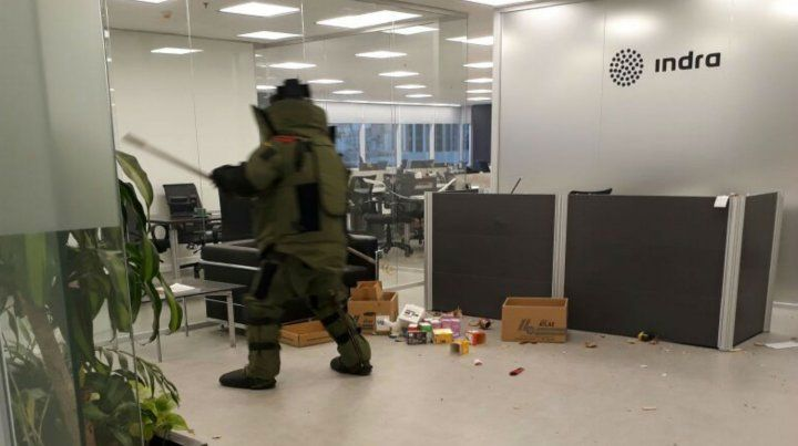 Escenario. El estallido se registró en la recepción de la empresa.